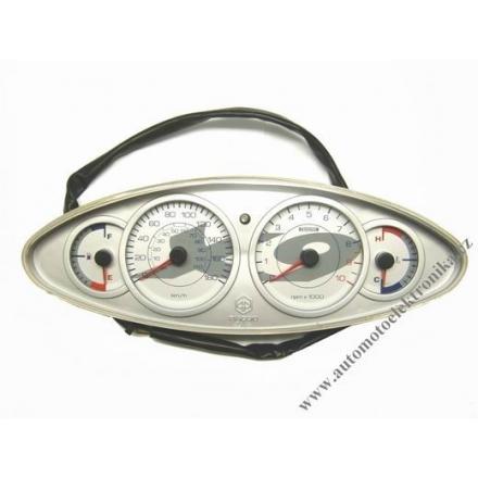 Přístrojová deska Piaggio X9 500 analogové ukazatele